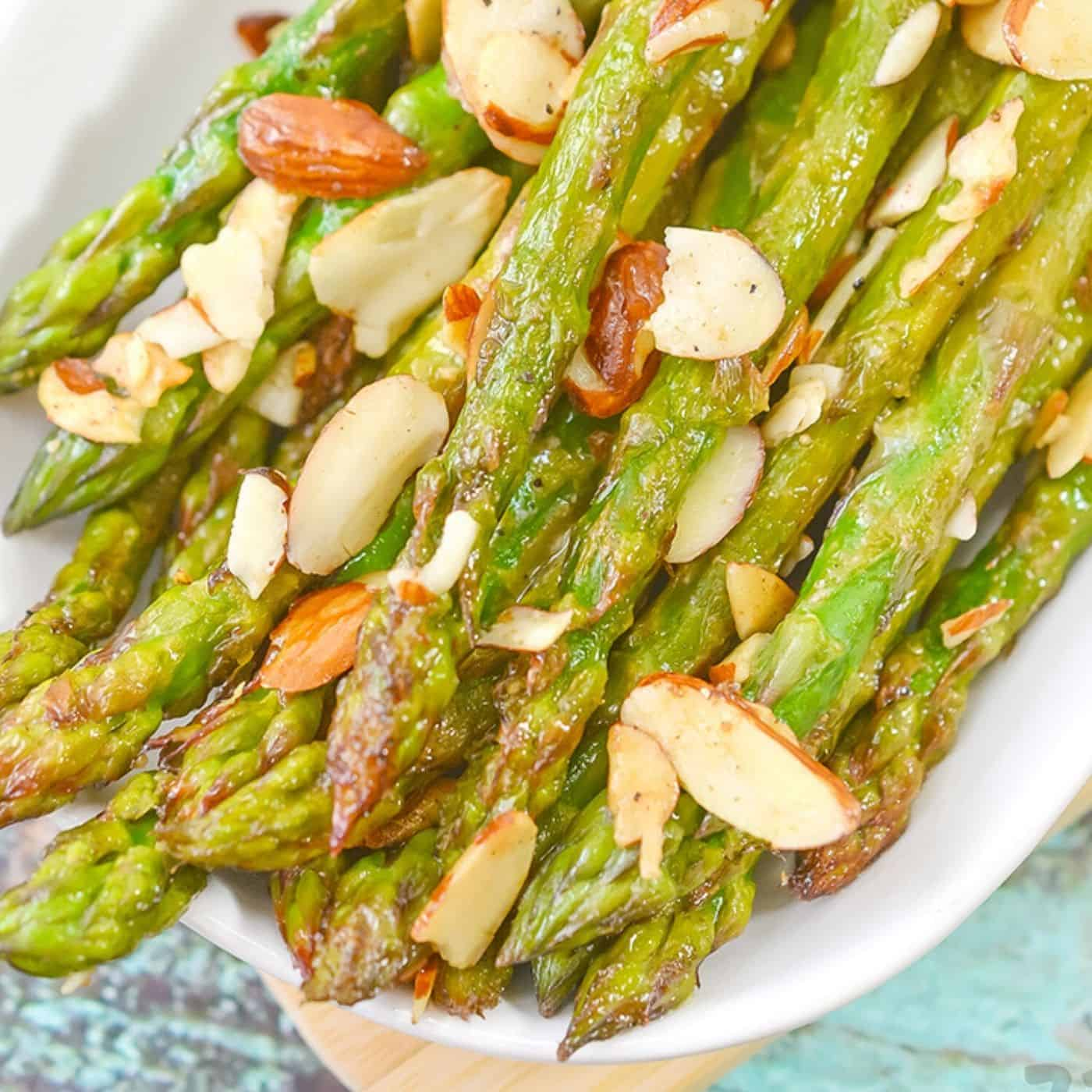 Sauteed Asparagus with almond seeds